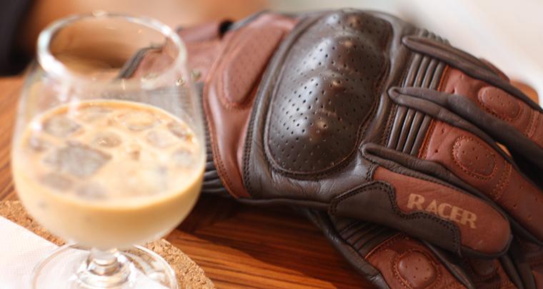 【角公園咖啡】融入懷舊,RACER復古手套實品視覺照